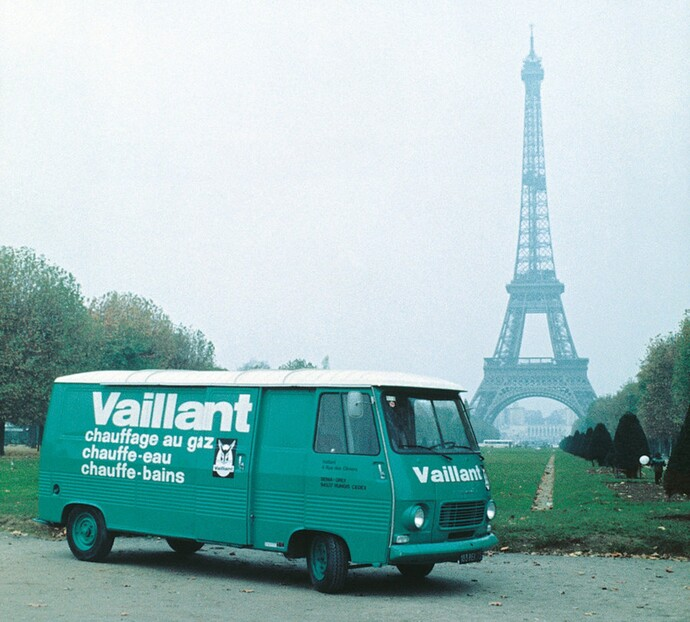 //www.vaillant.hu/media-master/global-media/vaillant/historic-motive/hisc17-45991-format-flex-height@690@desktop.jpg