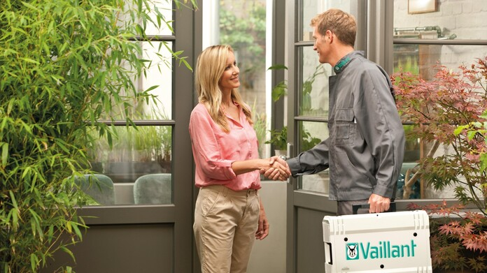 //www.vaillant.hu/media-master/global-media/vaillant/promotion/professionals/prof15-43107-00-722321-format-16-9@696@desktop.jpg